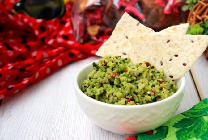 How to make homemade guacamole