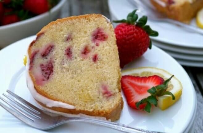 Lemon strawberry pound cake