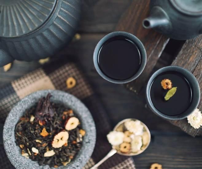 Coffee, Tea Or Soft Drinks-img08
